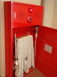 消火栓の中はこんな感じで、至ってシンプル